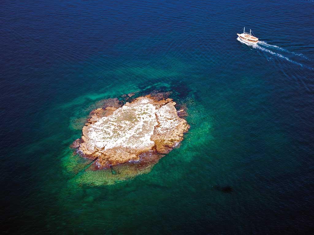 otok-vrsarski-kamen